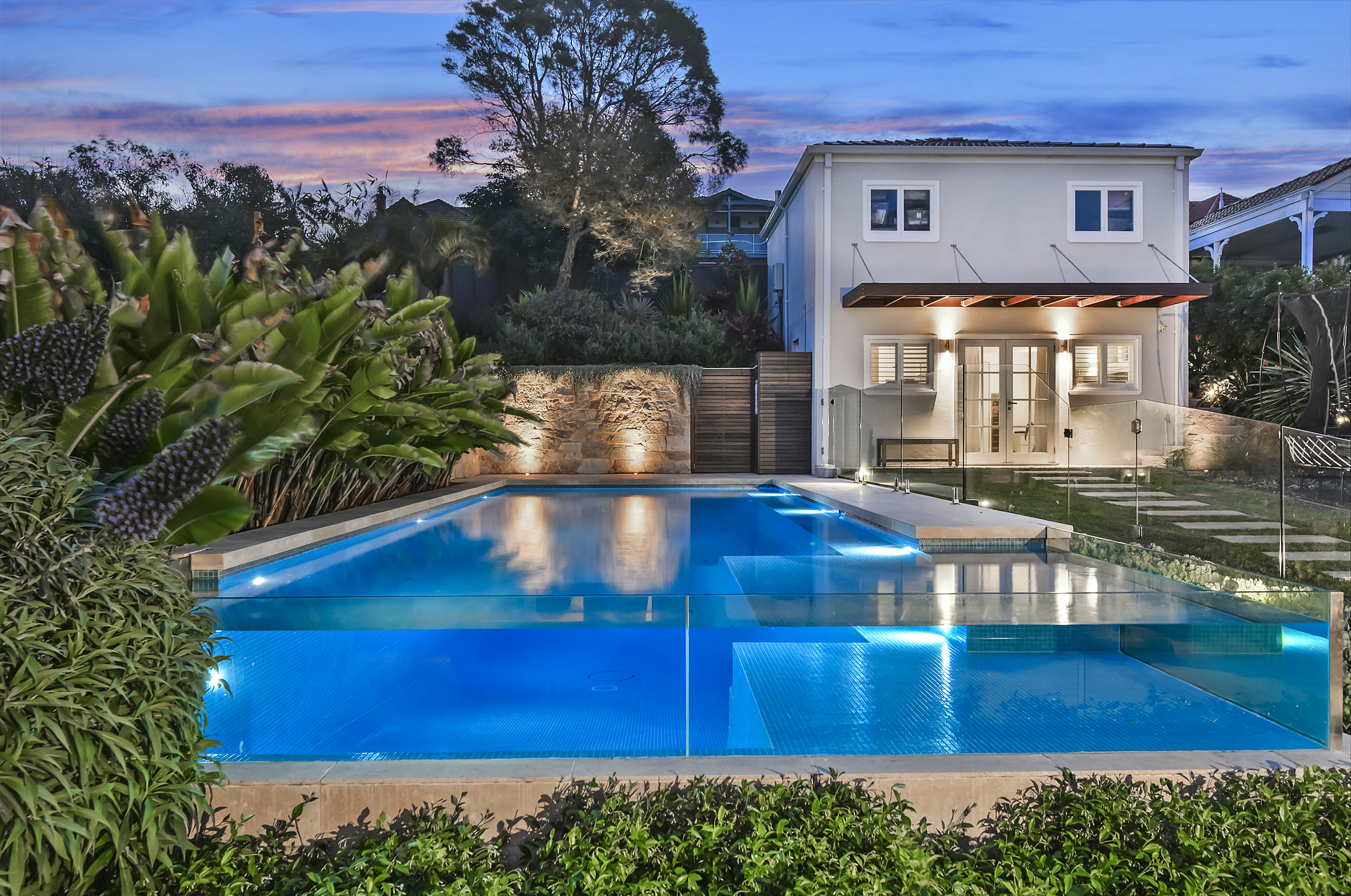 Pool builders sydney landscaper sydney interlink pools for Pool design sydney